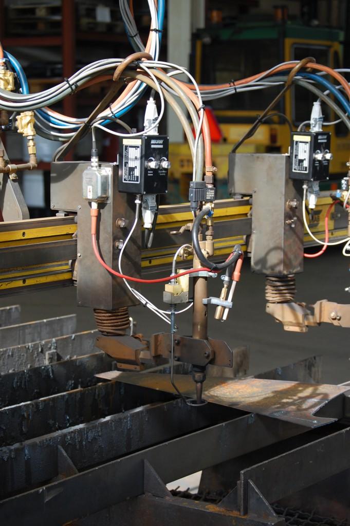 Esab Picorex brännaresupport ombyggd med AR300 automatisk höjdkontroll, SwedCut tändbrännare och Viktor skärbrännare.